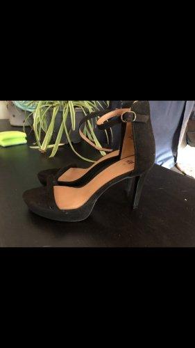 3 paar klassische high heels. (H&M und no Name)