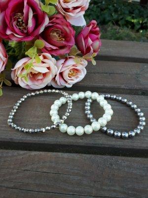 3 schöne Perlenarmbänder
