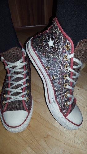 39 Converse All Stars Chucks