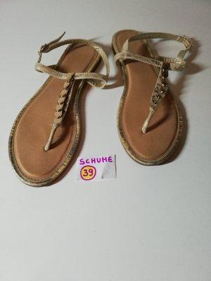 39 Sandalen Schuhe