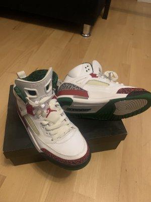 4 Jordan Air Größe 41