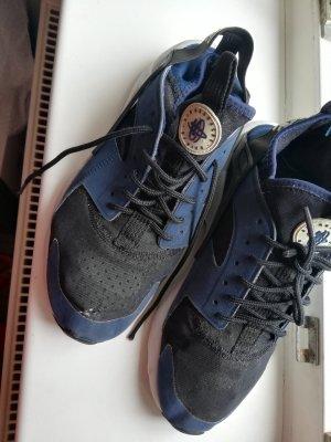 ❤️ 41 Nike Air mit mini Loch dunkelblau weiß hellblau