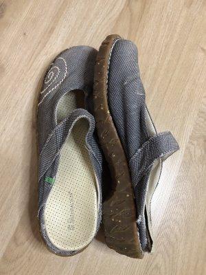 El Naturalista Comfort Sandals azure