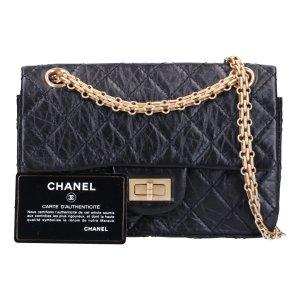 43135 Chanel 2.55 Reissue Flap Handtasche Tasche aus geknautschtem Kalbsleder in schwarz mit goldfarbenen Metallelementen