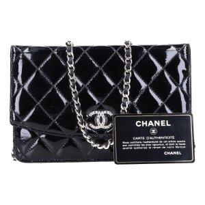 43488 Chanel CC Wallet on Chain WOC Handtasche Tasche aus Lackleder in schwarz und silberfarbenem Metall