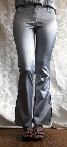 Glamour Schlagjeans in Silber-metallic von AmaZing