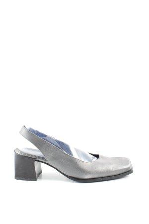 Escarpin à bride arrière gris clair style extravagant