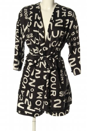 5 Preview Woven Twin Set black-white printed lettering casual look