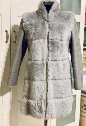 Escada Couture Manteau de fourrure gris clair-gris