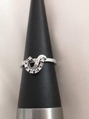 585 Weißgoldring mit 9 kleinen Diamanten