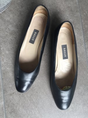 6 39,5 BALLY Pumps Schuhe Uniform echt Leder schwarz tiptop