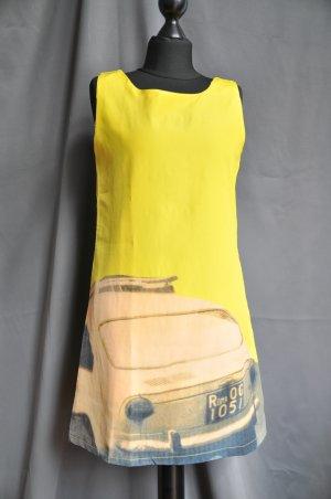 60ies Sommerkleid in Neongelb mit Oldtimer Auto Print