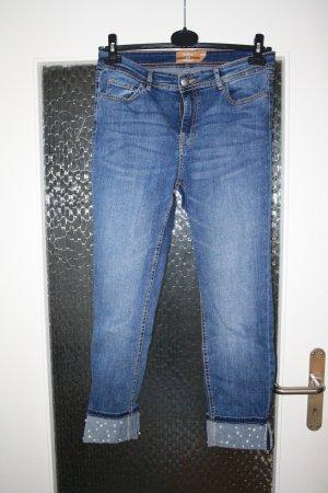 7/8-Jeans mit Perlen am Beinende