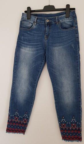 7/8 Stretch-Jeans mit schöner Stickerei