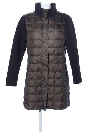 Abrigo acolchado marrón-negro estampado acolchado look casual