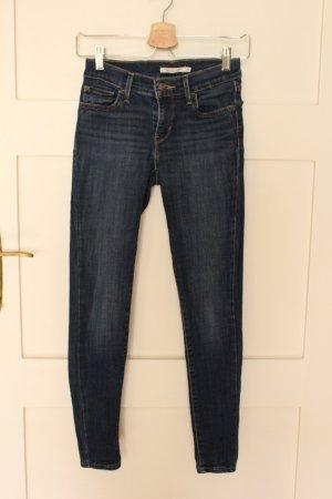 710 Super Skinny Jeans Levi´s in Dark Denim, Gr. 25/28