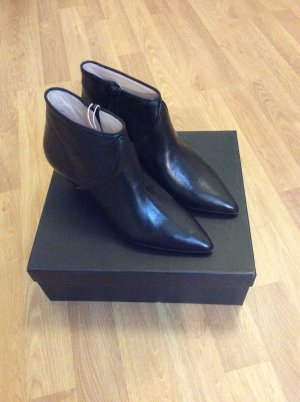 8 Booties black leather