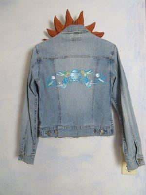 80s Vintage distressed Jeansjacke - verwaschen Hellblau mit Stickerei - Gr. S - Blau Kolibri Karibik - Festival Summer