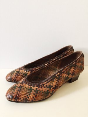 90s Bally Braided Leather Pumps