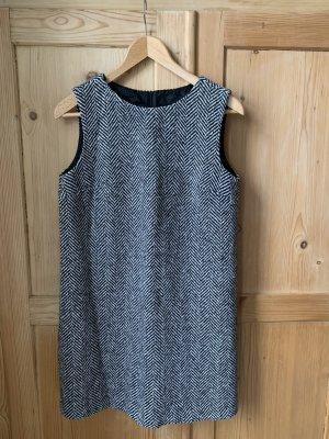 A LinienKleid tweed british