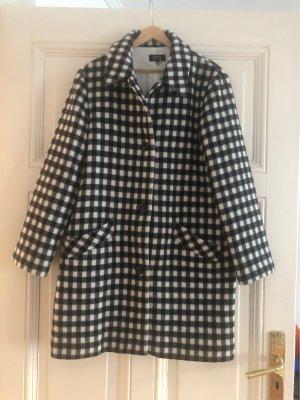 A.P.C. Krótki płaszcz biały-czarny
