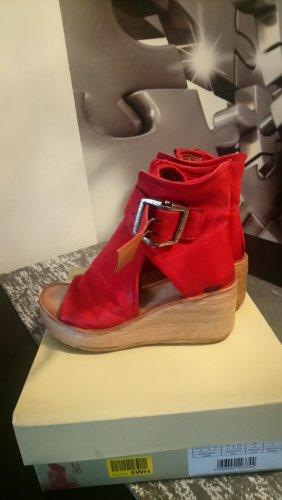 A.S.98 Sandalias de tacón con plataforma rojo