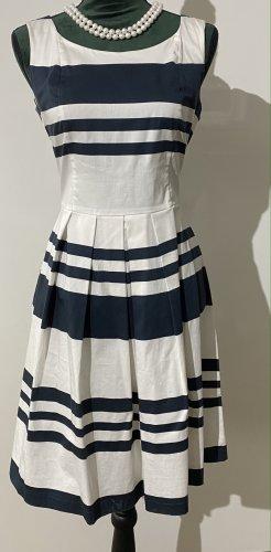 A S H L E Y  B R O O K E - ärmelloses Kleid - zeitlos - täglicher Begleiter