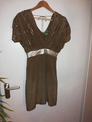 Abendgarderobe, Seidenkleid mit Pailetten und Perlen versetzt.