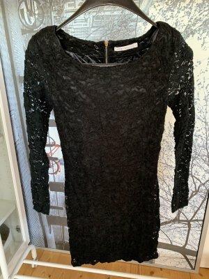 Abendkleid aus schwarzer Spitze von Only ( Love Collection)