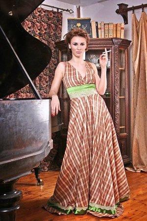 Abendkleid aus seidigem Taft, Größe 36