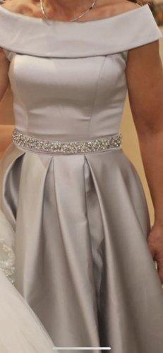 Robe de bal gris clair-argenté