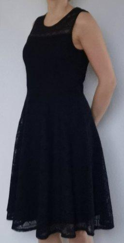 Abendkleid dunkelblau mit Spitzenoptik