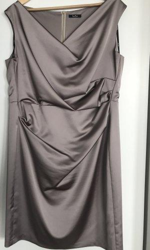 Abendkleid/elegantes Satin-Kleid in  Gr. 48 (passt 44-46 gut) neuwertig von Vera Mont
