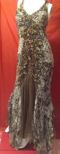 Abendkleid im Cavalli-Stil