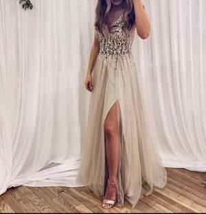 Abendkleid in Beige mit Pailletten / blerta Style