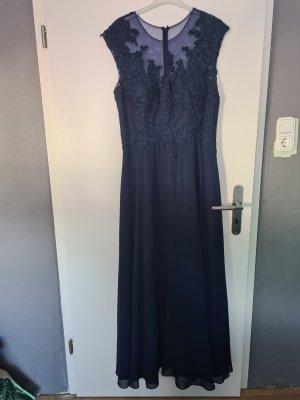 Abendkleid in Nachtblau