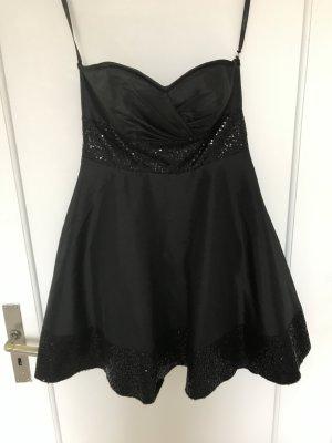 Abendkleid in schwarz mit Pailletten