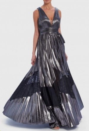Abendkleid in Silber mit Spitzeneinsatz