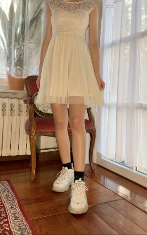 Tally Weijl Suknia balowa w kolorze białej wełny