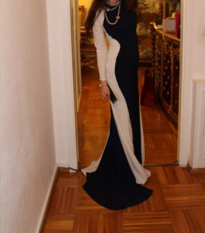 Abendkleid mit Schleppe