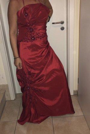 Abendkleid rot mit Bestickungen, trägerlos