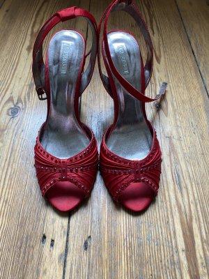 La Strada Pumps met bandjes rood