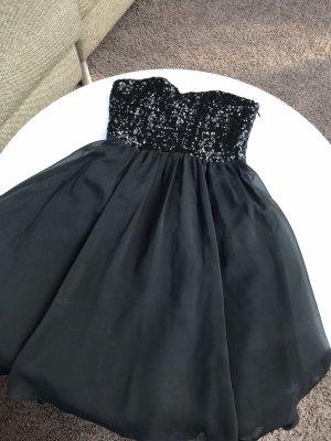 Abendkleid von Vila in schwarz