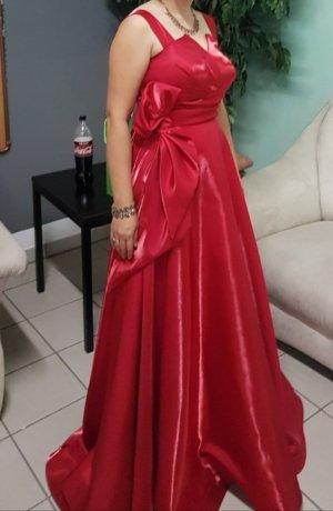 Boutique Suknia wieczorowa czerwony Satyna