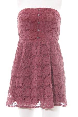 Abercrombie & Fitch Sukienka z dekoltem typu bandeau purpurowy Wzór w kwiaty