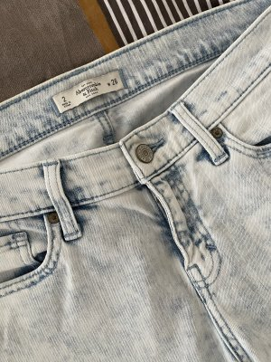 Abercrombie&Fitch destroyed boyfriend Jeans