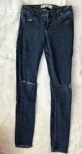 * ABERCROMBIE & FITCH* Jeans slim Fit dunkel blau ripped Gr 26 S