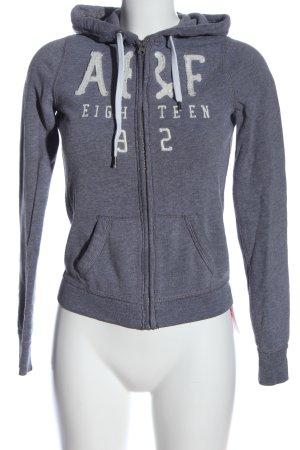 Abercrombie & Fitch Kapuzensweatshirt lila-weiß Schriftzug gedruckt Casual-Look