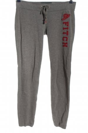 Abercrombie & Fitch pantalonera gris claro look casual