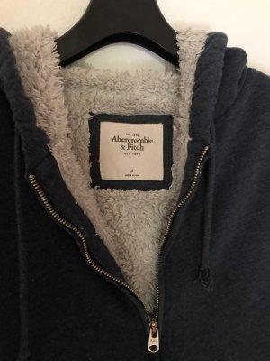 Abercrombie & Fitch Giacca in eco pelliccia blu scuro-blu